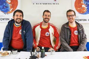 Alex, Mauro und Malte smiling beim Kiezfest